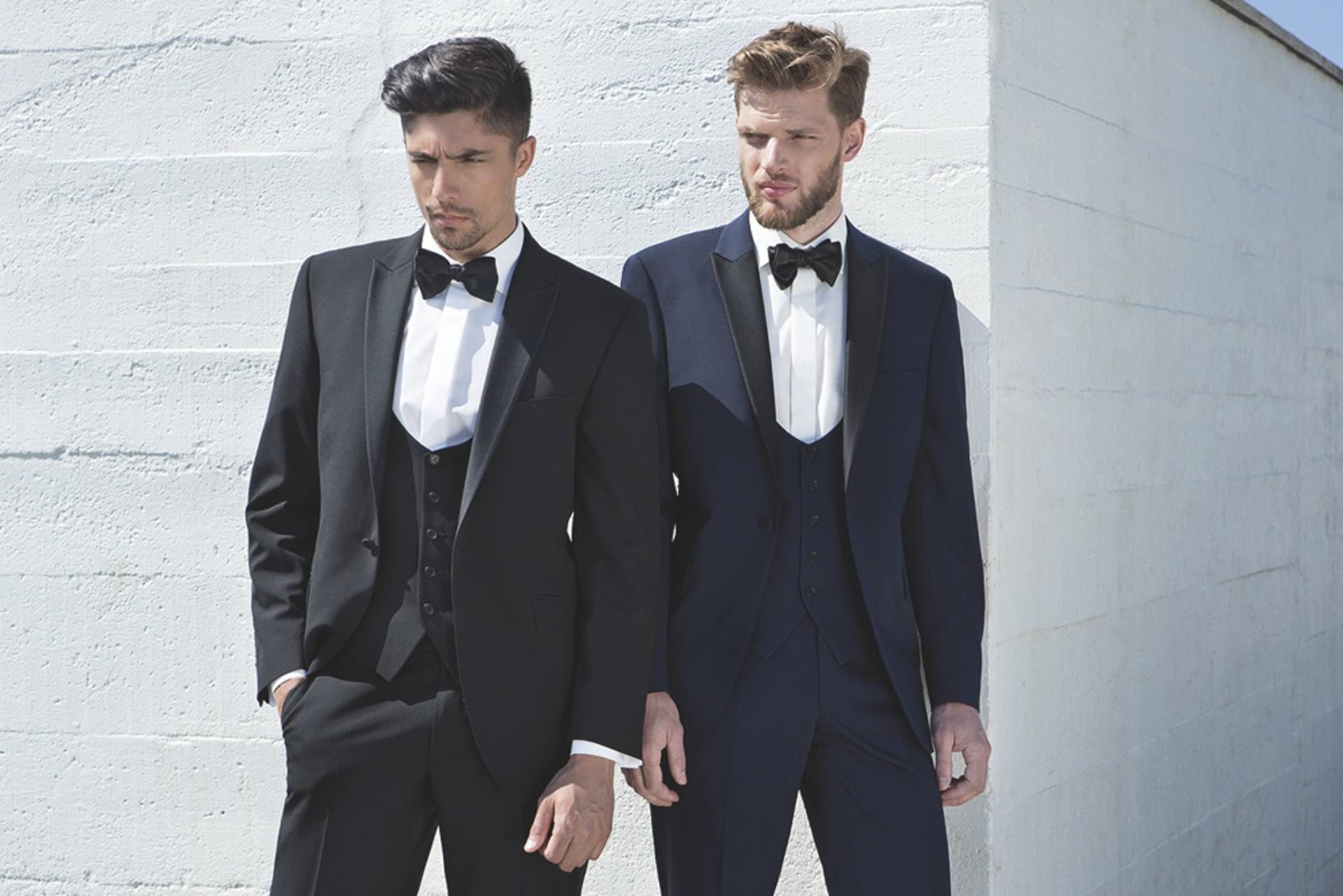 6c0775e58c42 Svadobné obleky na mieru začínajú od 450€ v závislosti od spotreby a výberu  materiálu. Dozviete sa viac – Svadobný salón ...